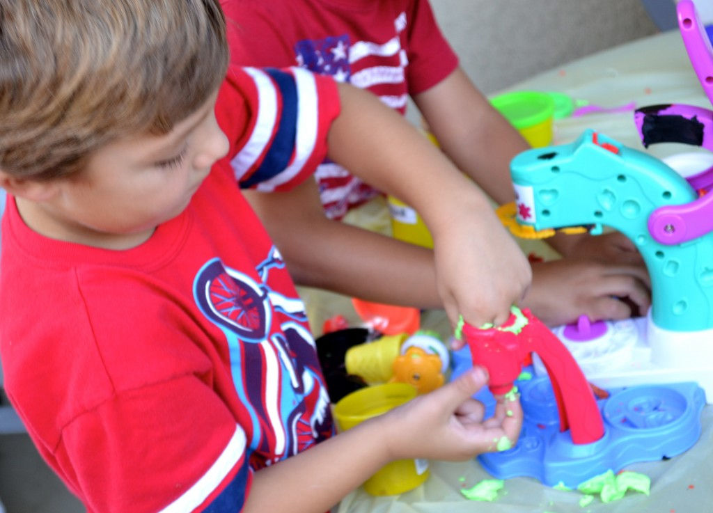 Everyday Party Magazine PlayDoh Play Date