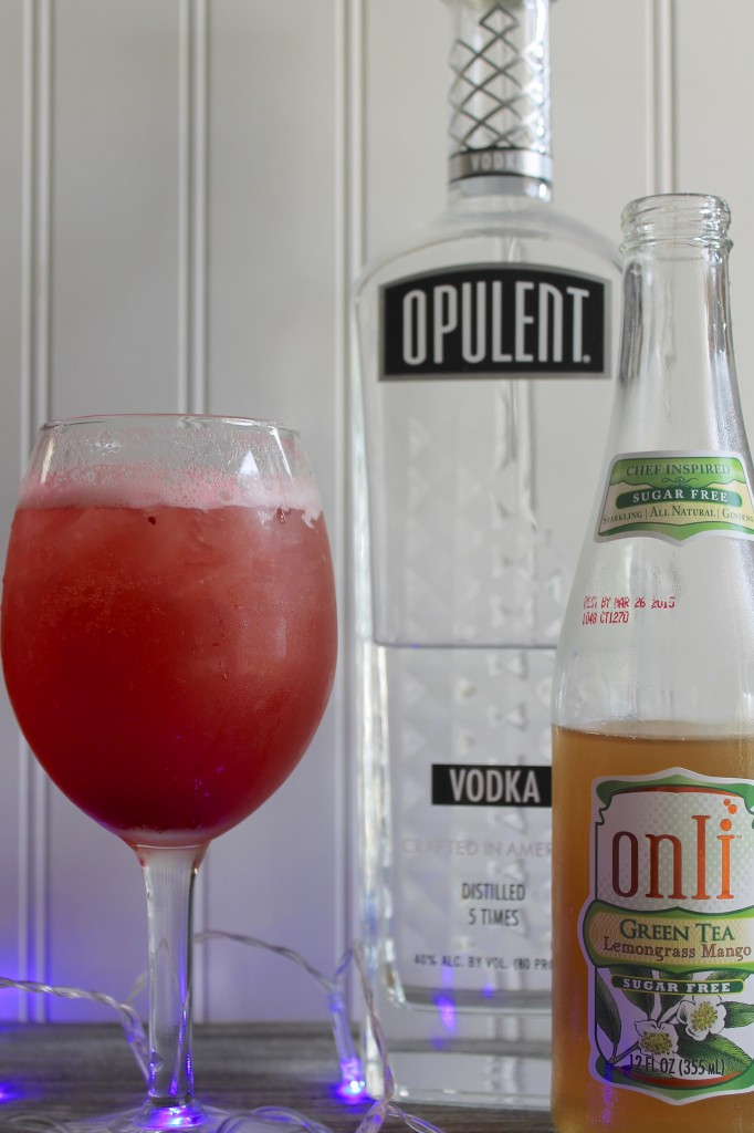 Everyday Party Magazine Cranberry Cocktail Recipe with Onli Beverages