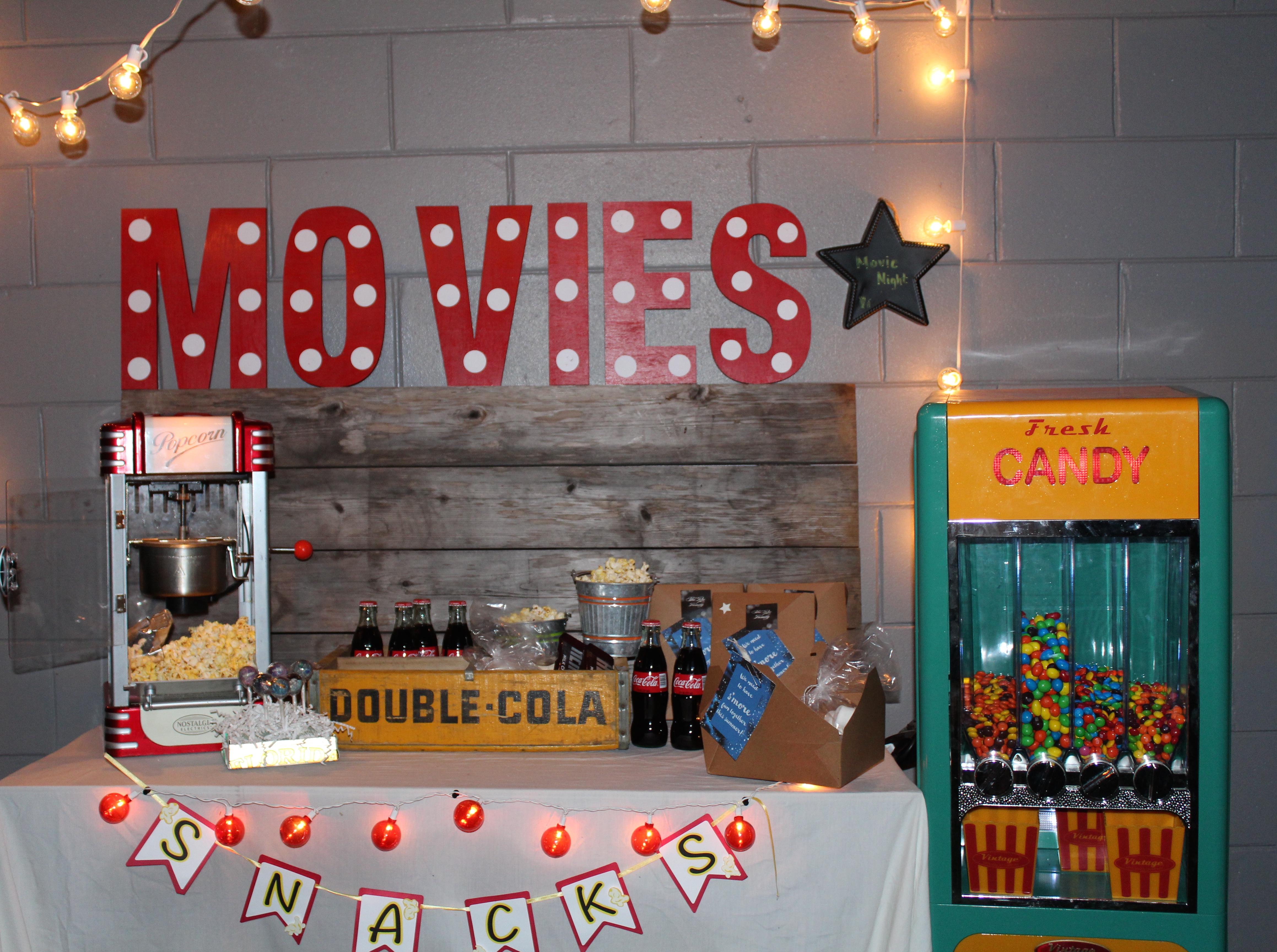 Backyard Movie Night Party : Outdoor Movie Night on Everyday Party Magazine