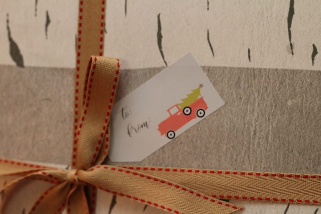 Simple Holiday Gift Tags