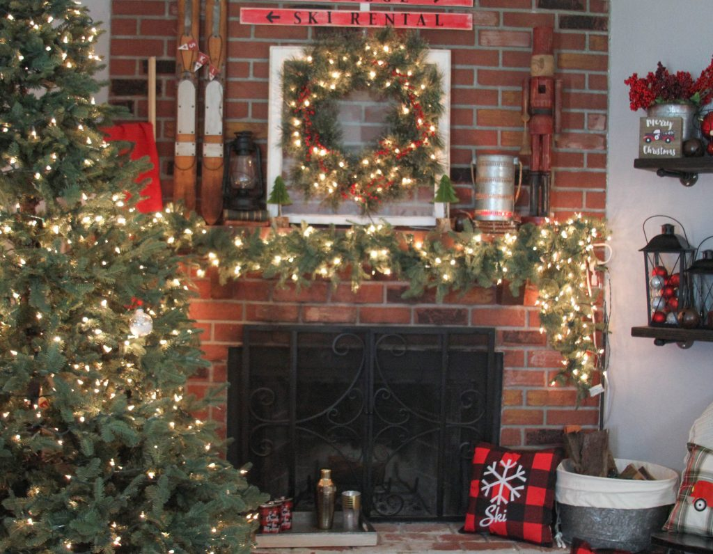 Ski Lodge Holiday Mantel