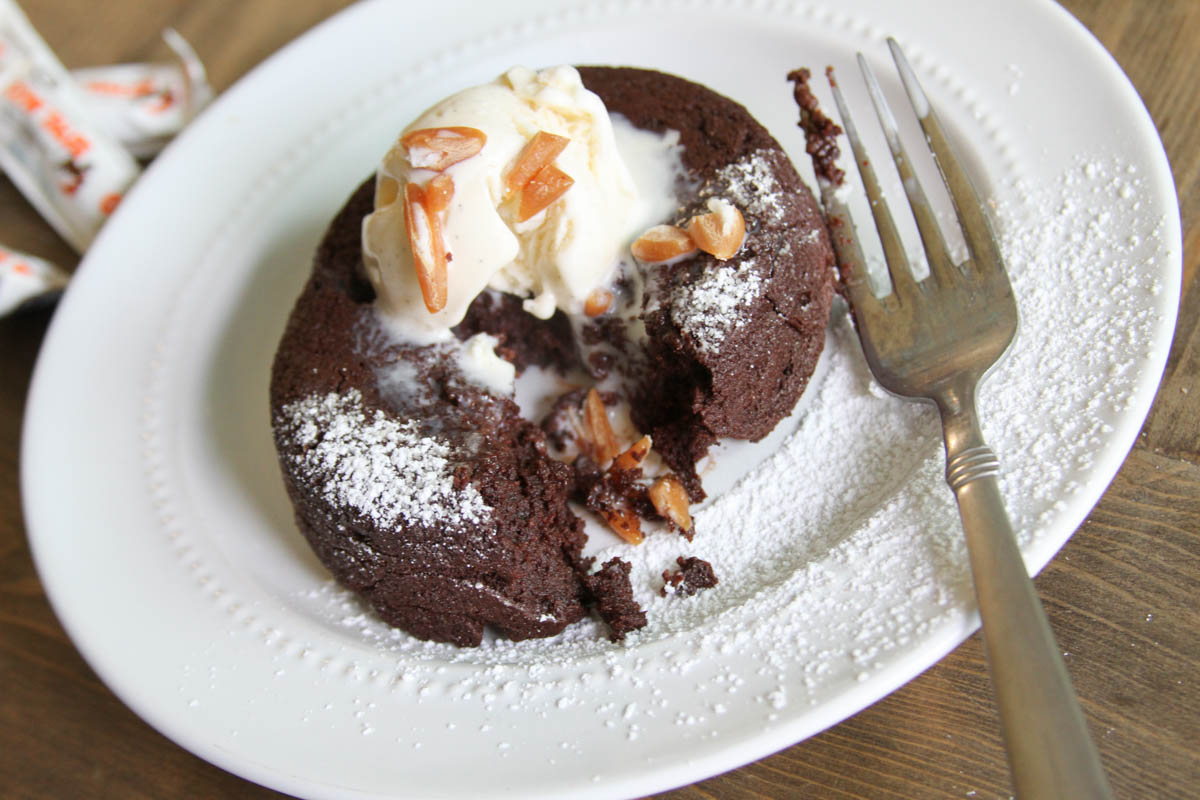 Everyday Party Magazine Chocolate Caramel Cream Lava Cake #dessert #LavaCake #CowTales @CowTales