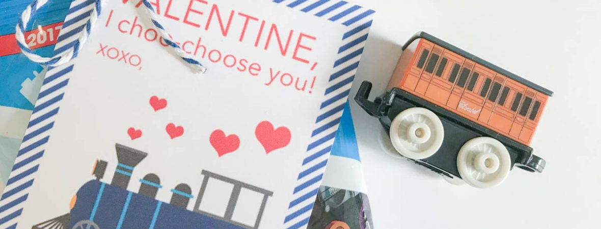 Everyday Party Magazine Valentine, I Choo-Choose You! Darling train Valentine's Day Cards #train #ValentinesDay