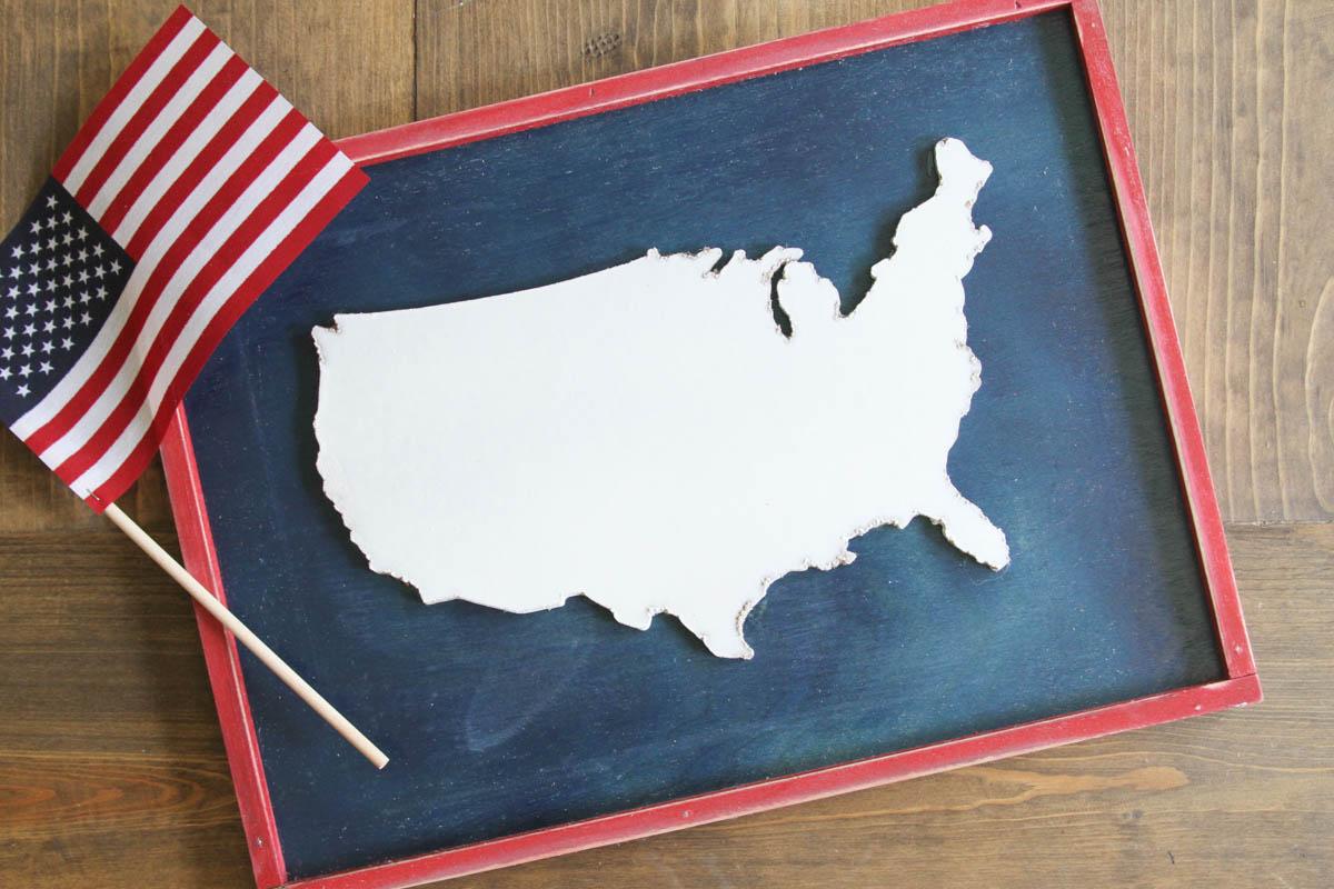 Everyday Party Magazine Americana Sign DIY #CricutMade #Americana #FourthofJuly #Basswood #Maker
