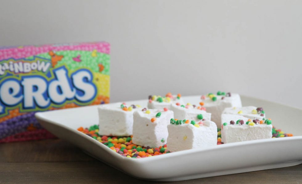 Everyday Party Magazine Summer Fun Marshmallows #Nerds #Marshmallows #SummerFood #PartyFood #Recipe