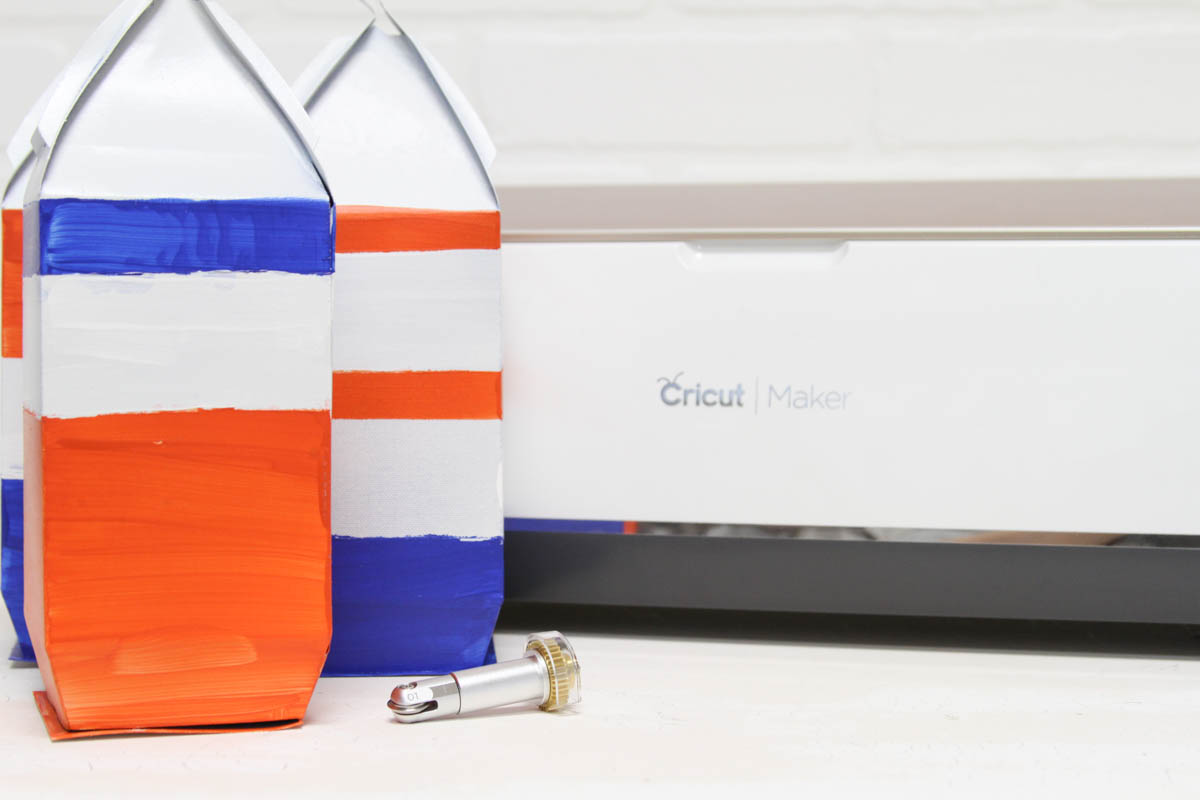 Everyday Party Magazine Simple Paper Lanterns with the Cricut Scoring Wheel #Cricut #CricutMaker #DIY #SharkWeek
