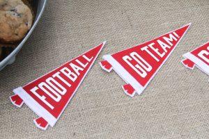 Everyday Party Magazine DIY Football Party Favors #DIY #XyronBlogger #Tailgate #FootballParty #SECFootball #CricutMade