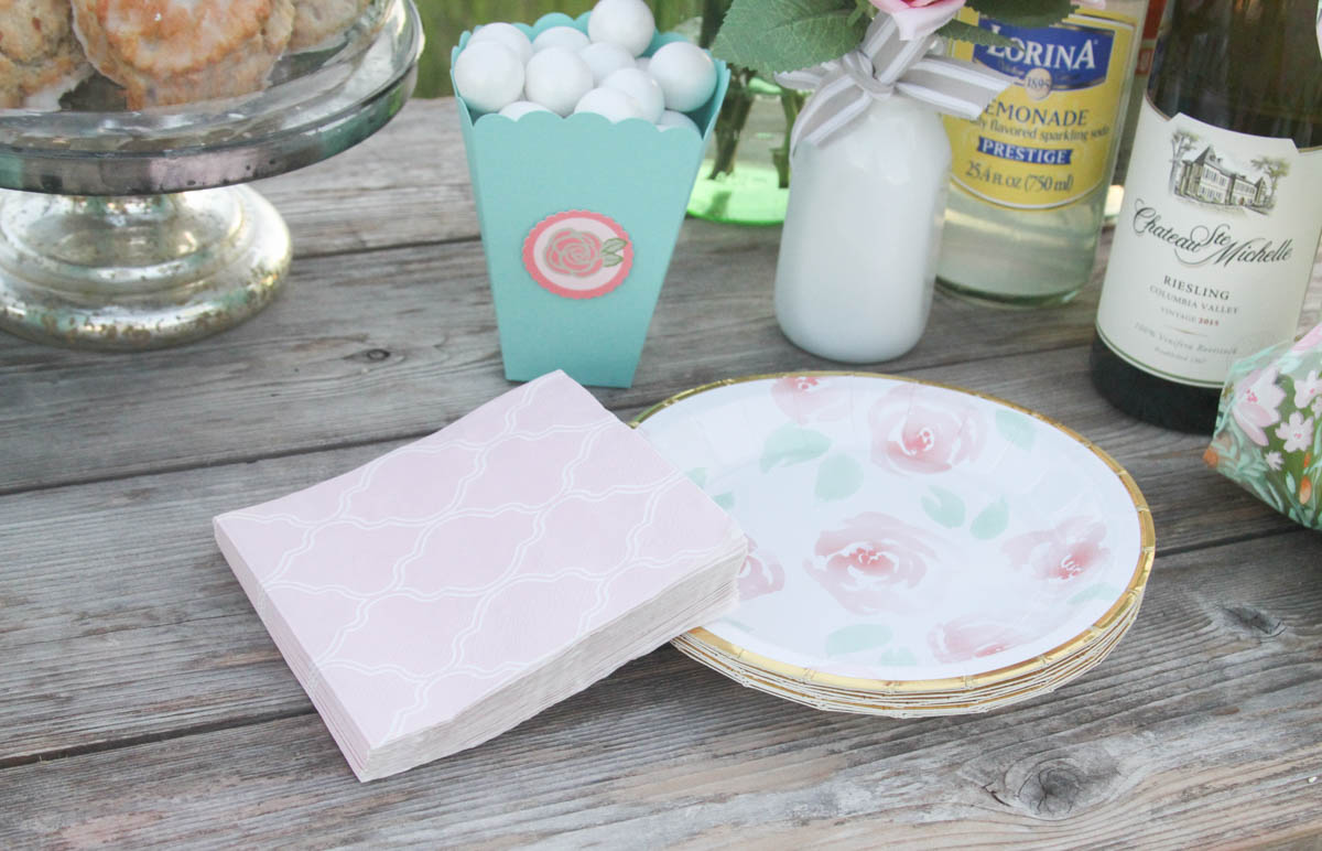 Everyday Party Magazine Shabby Chic Baby Shower #BabyShower #ShabbyChic #RusticChic #Shower #CricutMade #MarthaStewartCelebrations