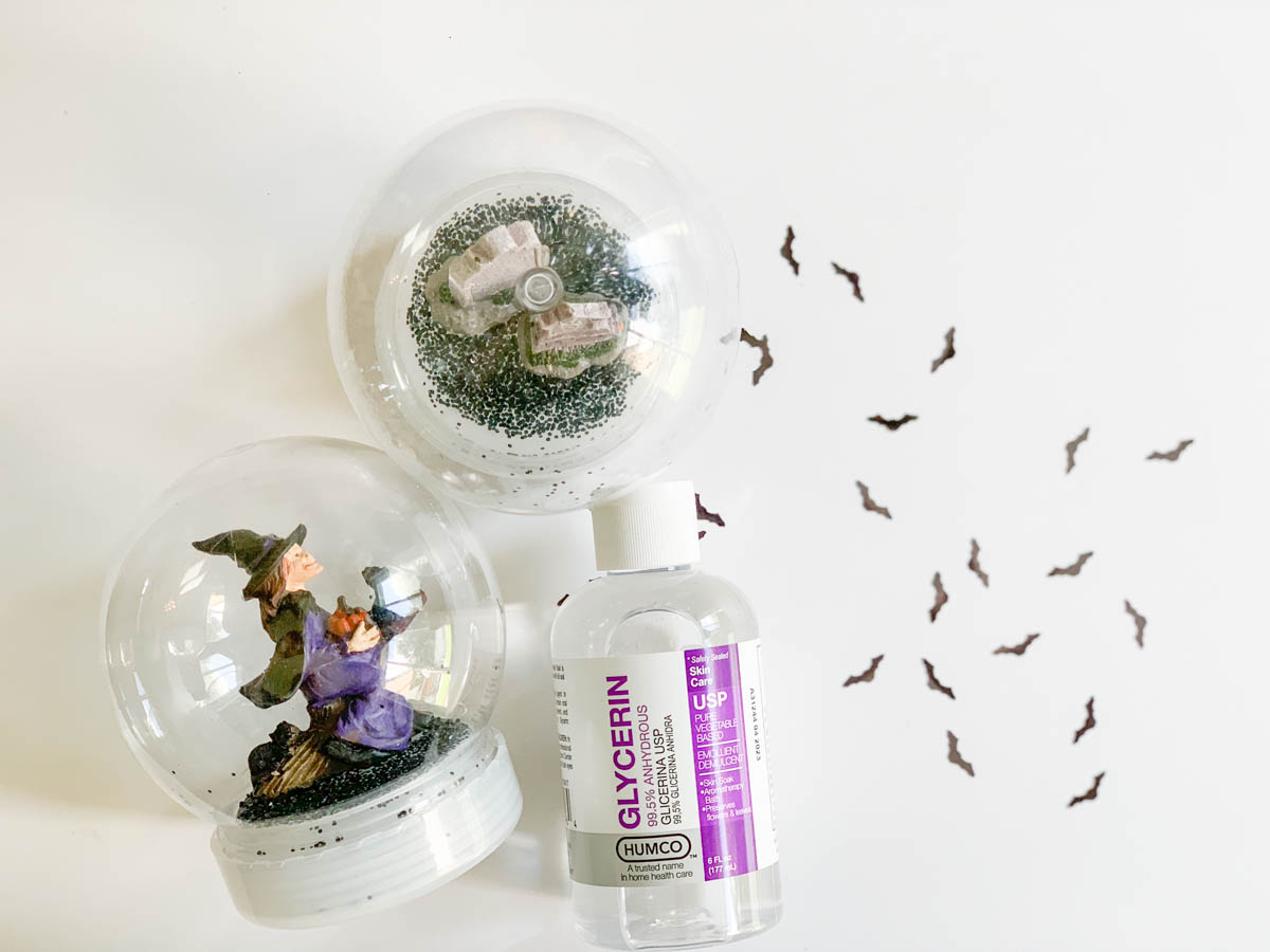 Halloween Snow Globe Bat Confetti Gylcerin