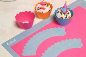 Small Cupcakes Craft Paper