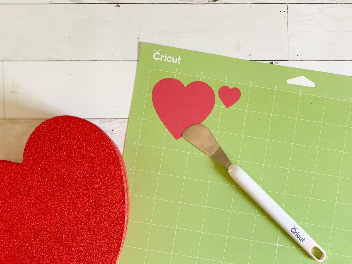 Cricut Cutting Mat and Tools Hearts