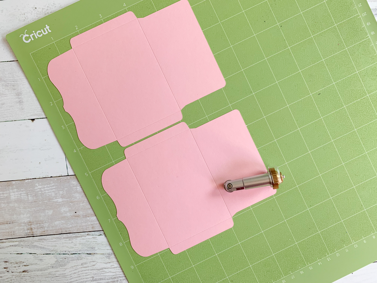 Cricut Cutting Mat and Scoring Wheel